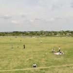 まつぶし緑の丘公園。造成中の超巨大公園。レンタルテントは200円です