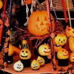 ハロウィン楽しんでる?子供たちがお菓子貰って、大人も仮装パーティーする日なの?