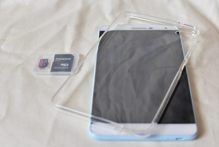 HUAWEI MediaPad T2 7.0 Pro  保護カバーとSDカード