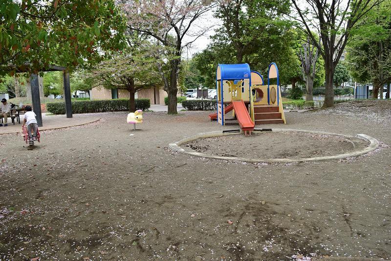 根ヶ谷戸公園 遊具