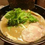 北越谷『麵や雫』で濃厚なのに、なぜかあっさりのスープに舌鼓