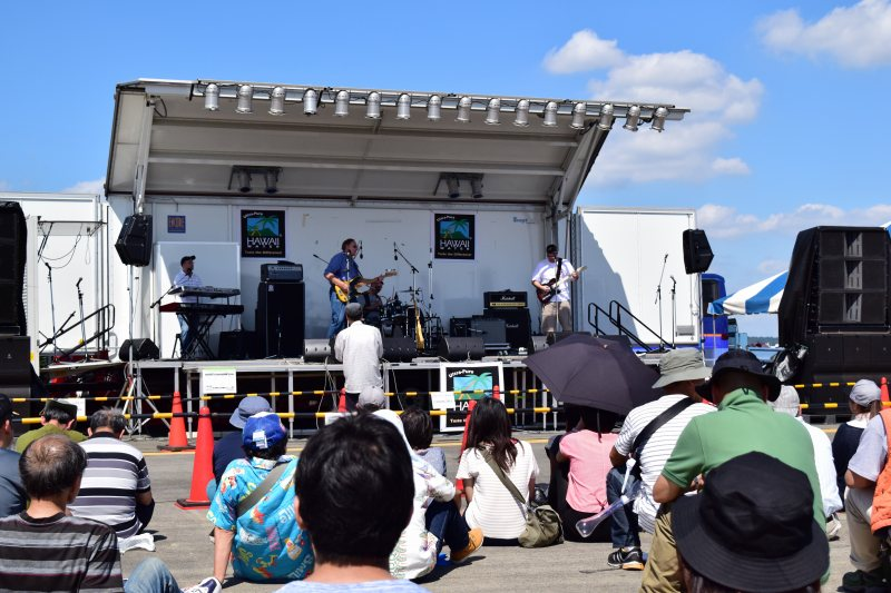 横田基地日米友好祭 バンドステージ