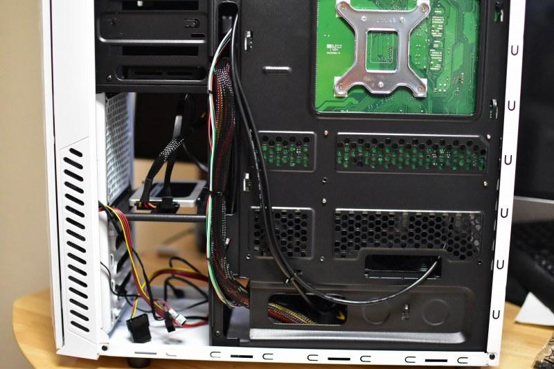 スリムタワーPCからミドルタワーPCへケース交換