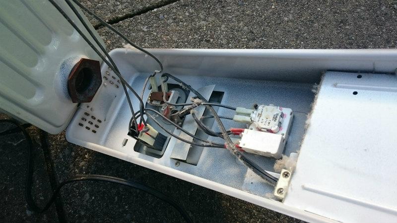 オイルヒーターを解体処分する