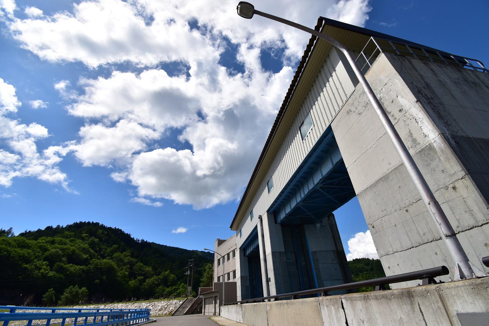 奥利根湖『八木沢ダム』での撮影 放水用ゲート