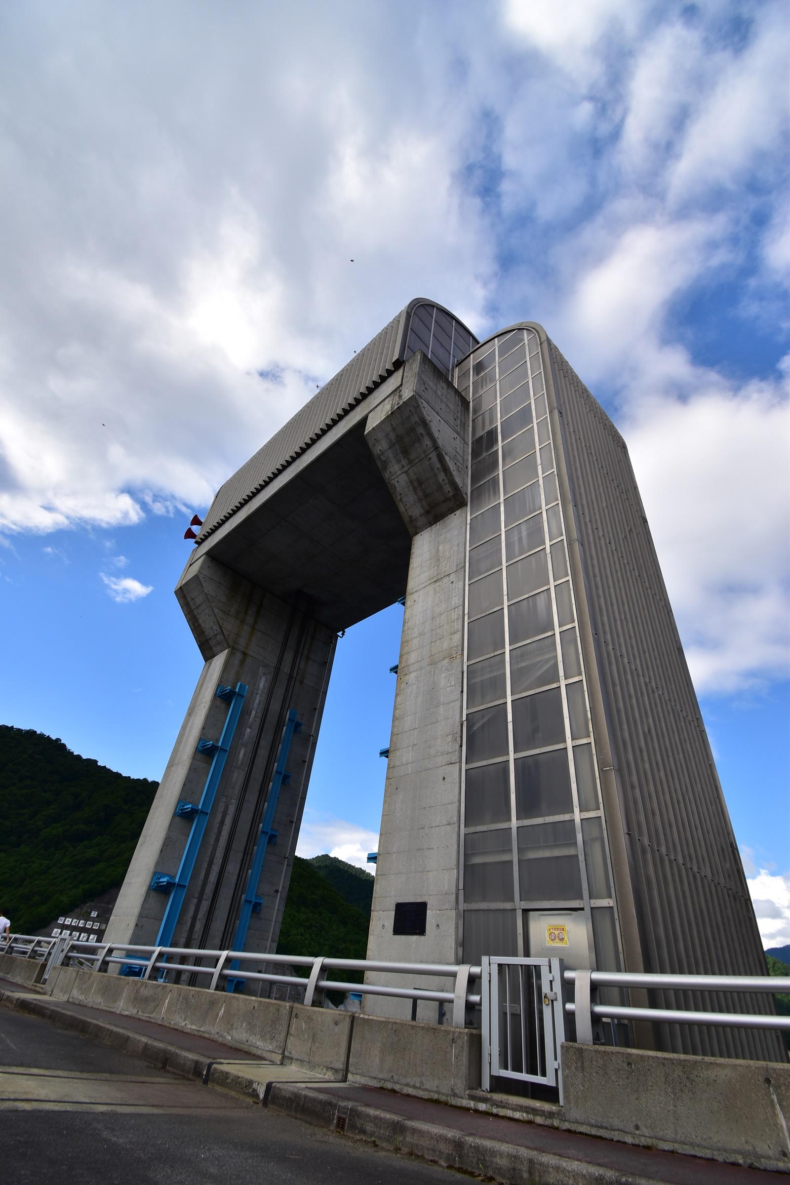 奈良俣ダム(ならまたダム)での撮影 放水門