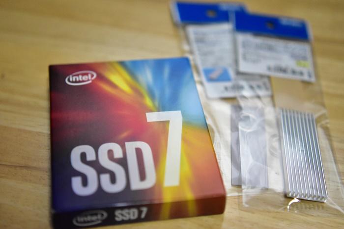 Intel SSD 760p M.2 PCIEx4 512GBモデル
